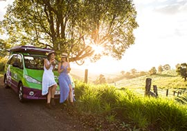 friends travel east coast of australia in a jucy campervan